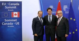Le président du Conseil de l'Union européenne, Donald Tusk, le Premier ministre canadien, Justin Trudeau et le président de la Commission européenne, Jean-Claude Juncker, réunis dimanche à Bruxelles. - Photo Dursun Aydemir/Anadolu Agency/AFP En savoir plus sur http://www.lesechos.fr/monde/europe/0211446970289-bruxelles-et-ottawa-signent-un-accord-de-libre-echange-historique-2038955.php?Uc9EBccBHDVPgUgx.99