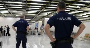 2072814_nouveau-resultat-record-pour-les-douanes-en-2016-web-tete-0211884765339